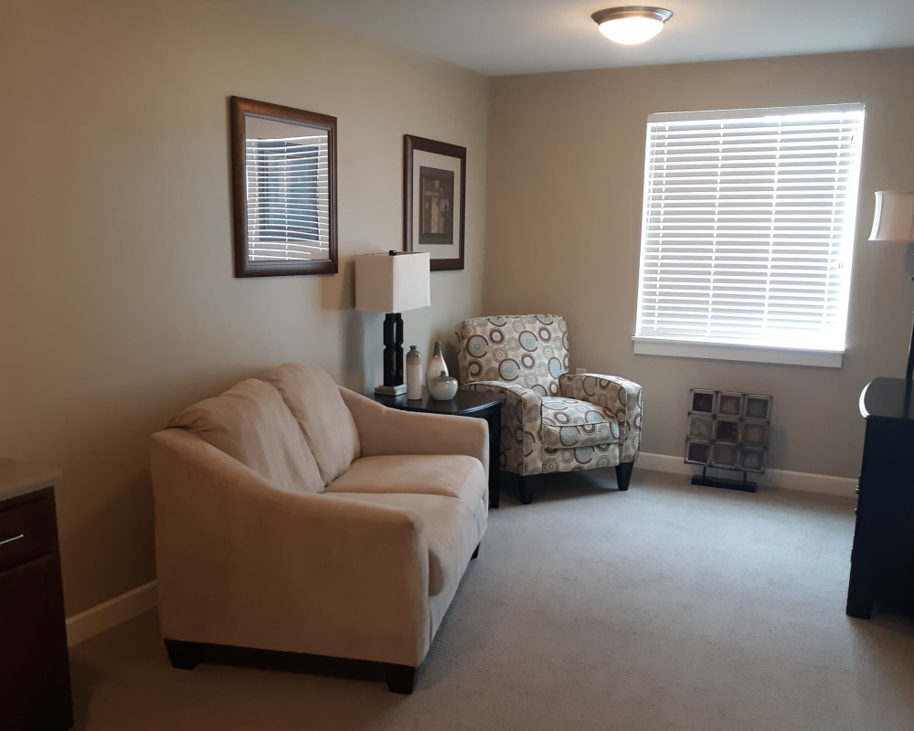 Living room at Emery Place in Robins, Iowa.