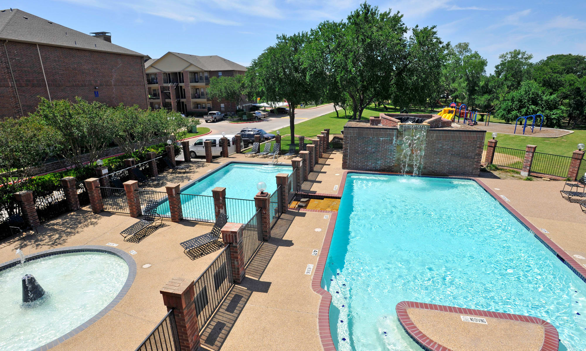 Apartments at Carrollton Park of North Dallas in Dallas, Texas