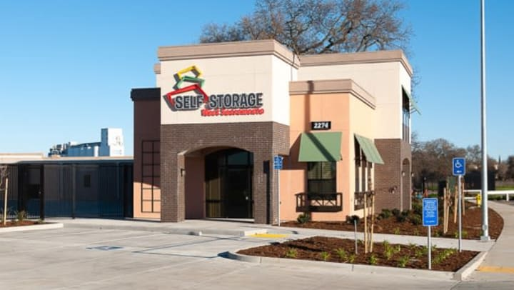 West Sacramento Self Storage Front Office