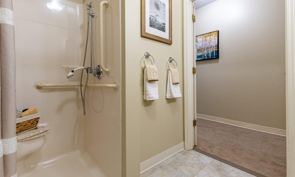 Assisted-Living-Memory-Care-Azpira-Place-Breton-Bathroom