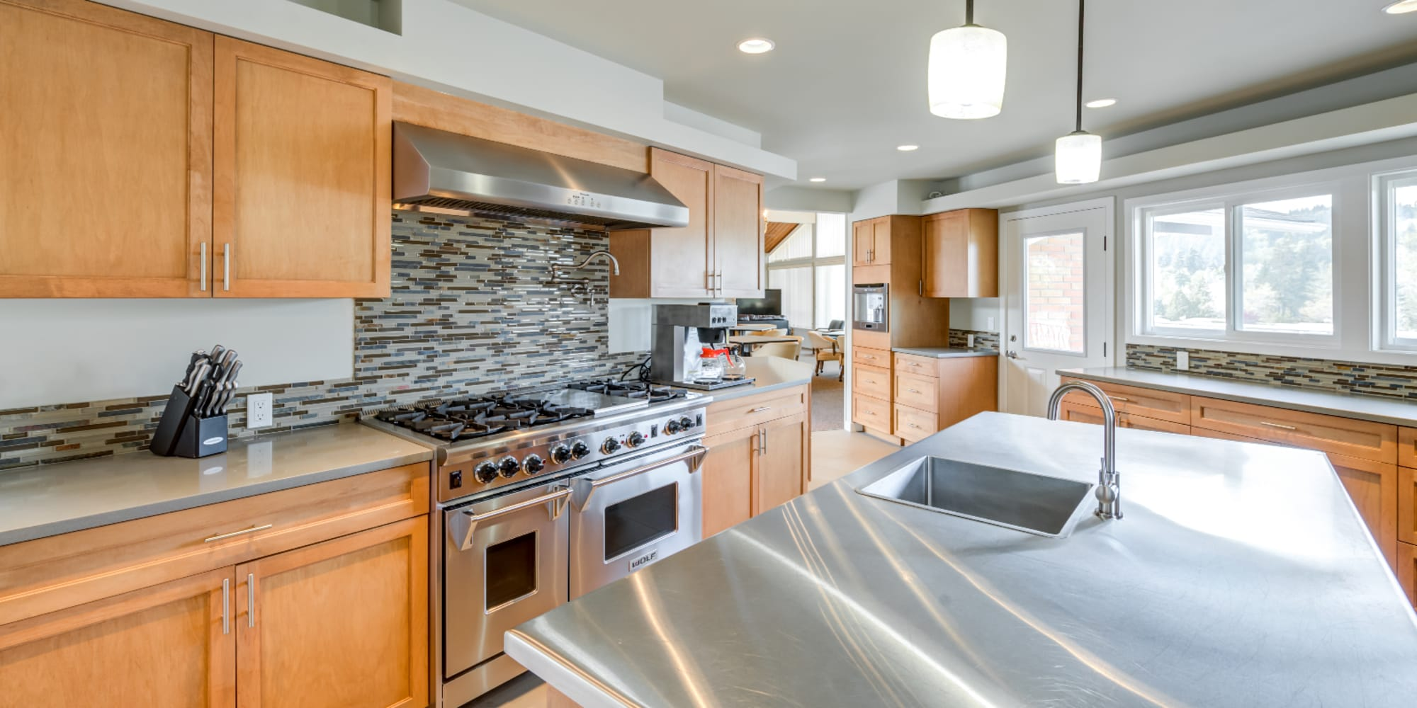 FollettMHC in Sacramento, California offers manufactured homes for sale