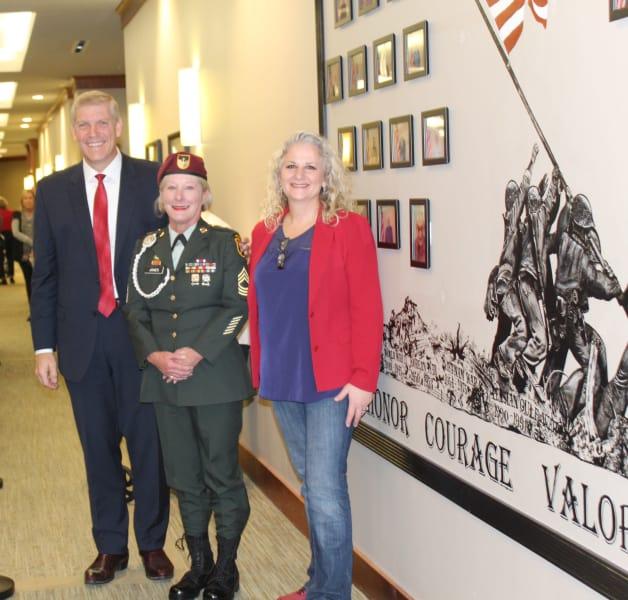 Raquel with congressman and veteran