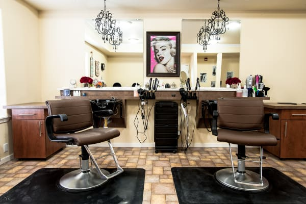 Onsite salon at Guelph Lake Commons in Guelph, Ontario