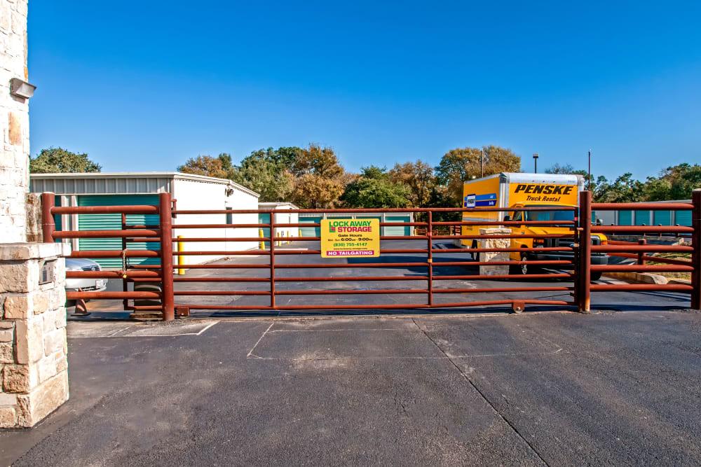 Lockaway Storage Boerne Exterior