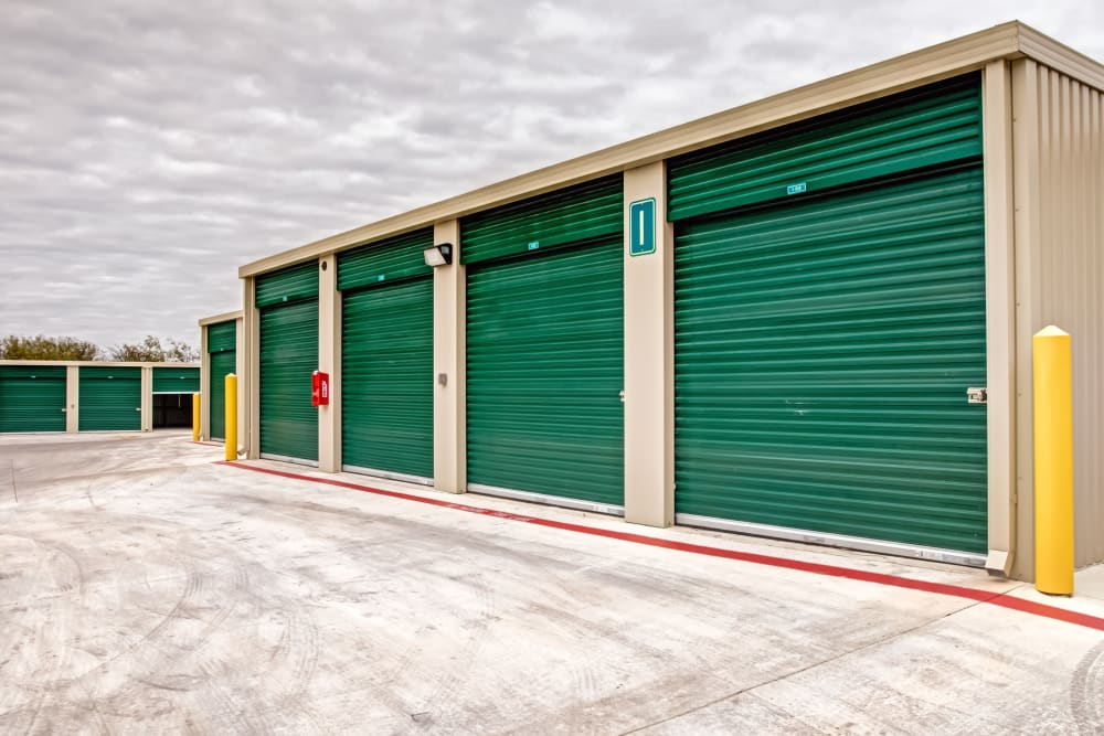 Lockaway Storage Bandera Exterior Units