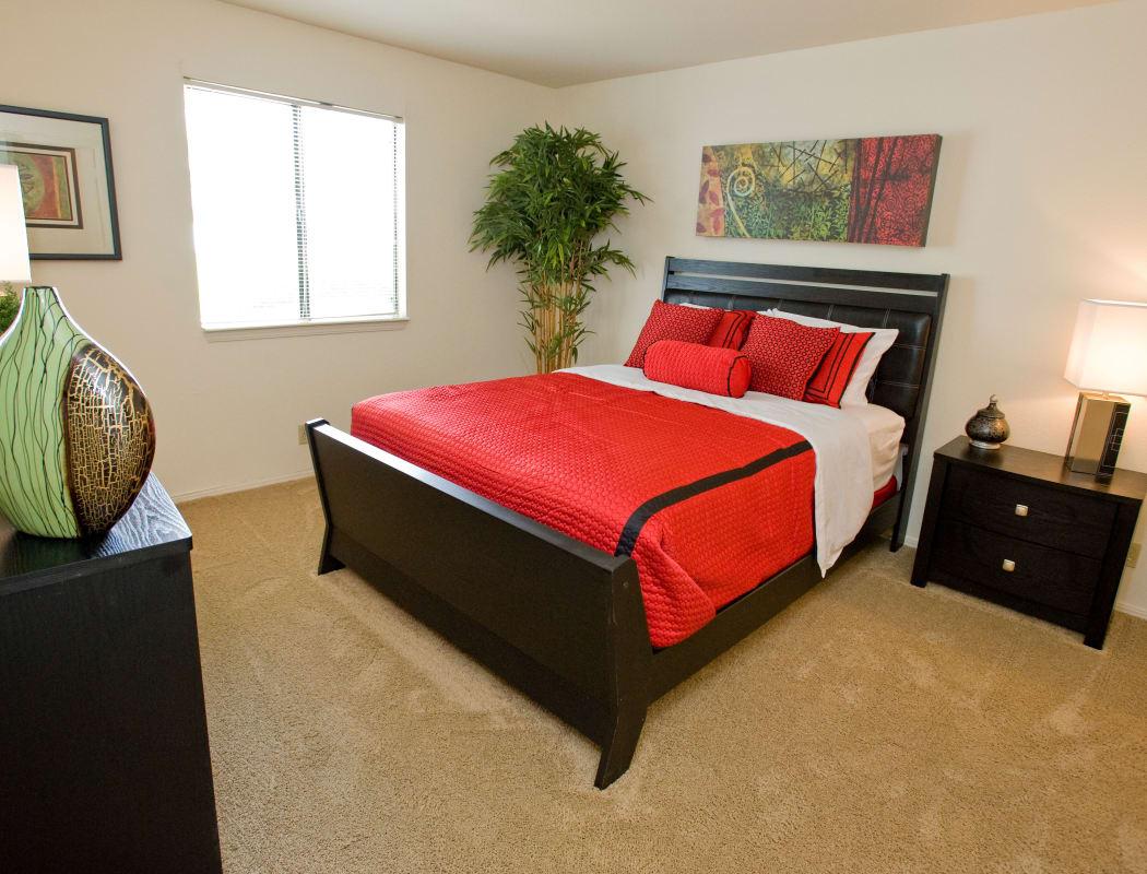 Master bedroom at Boulder Ridge in Tulsa, Oklahoma