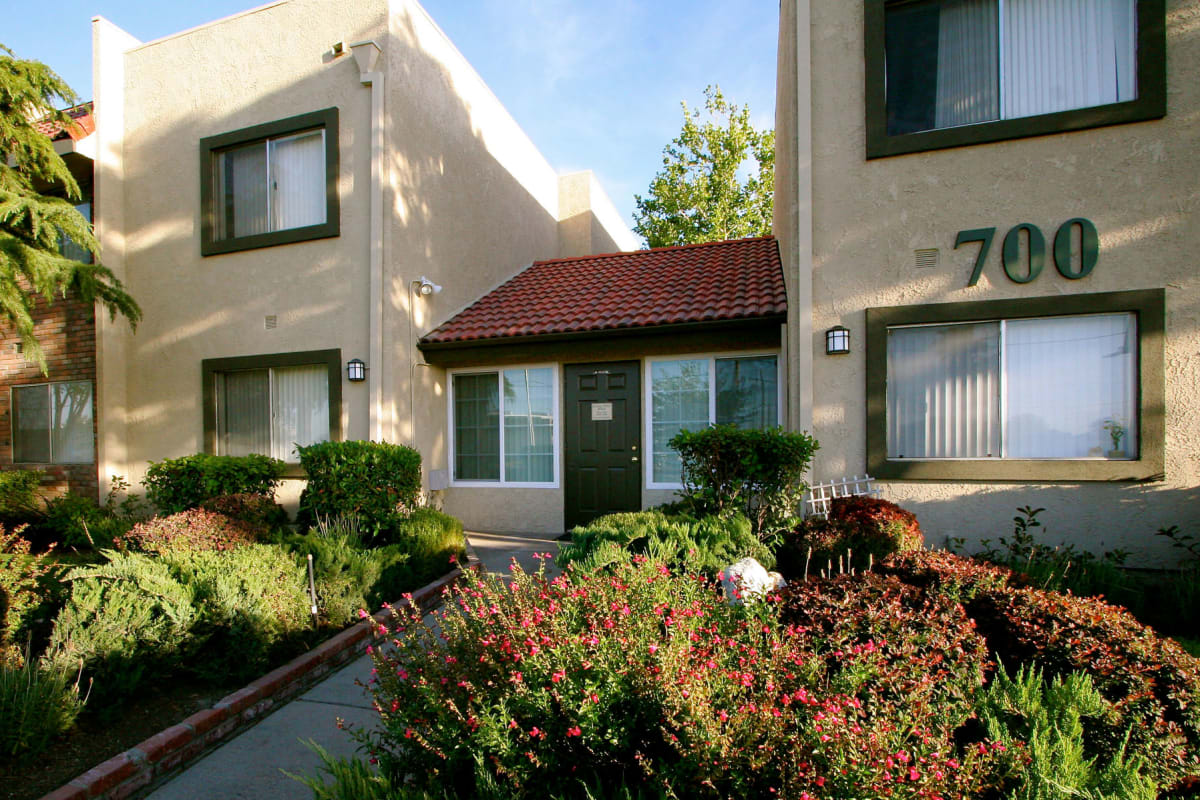 View our Parkwood property in Lancaster, California
