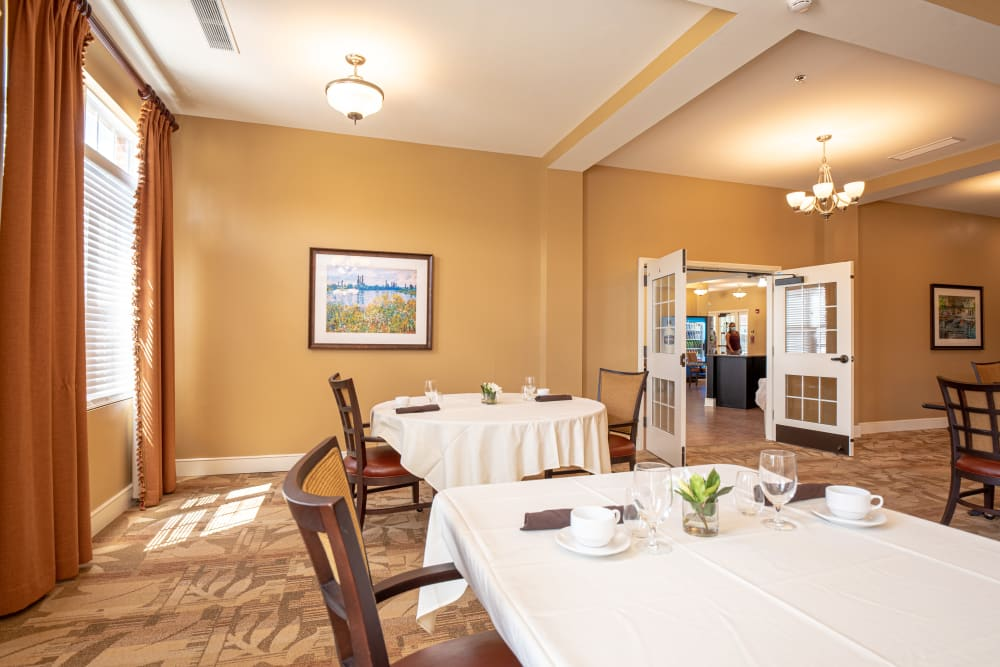 Dining room at Harmony at Hope Mills in Fayetteville, North Carolina