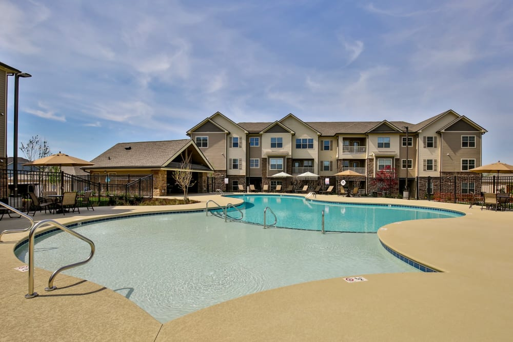 Enjoy Apartments with a Swimming Pool at Commonwealth at 31