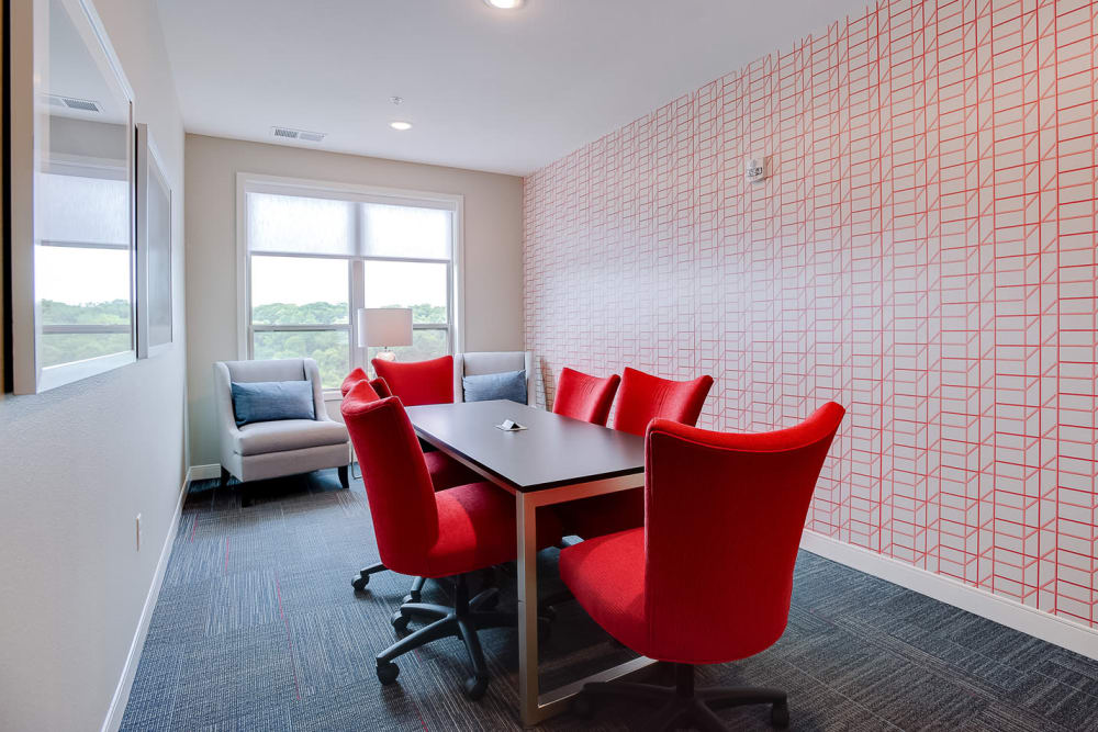 Private meeting space at Lake Jonathan Flats in Chaska, Minnesota