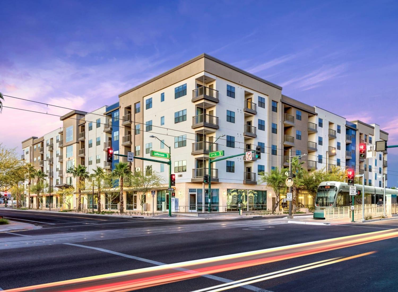 Capital Place apartments in Phoenix, Arizona