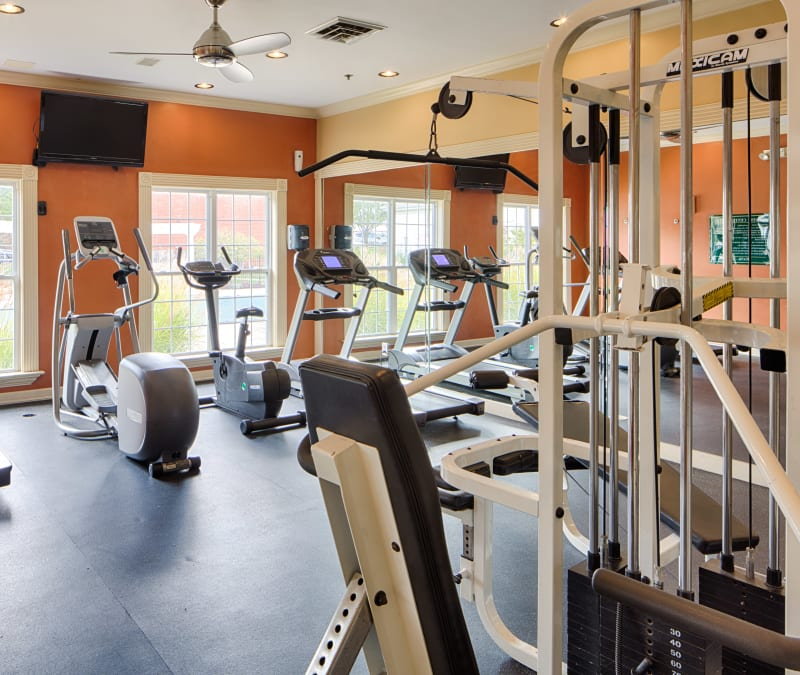 Well-equipped onsite fitness center at Oxford Hills in St. Louis, Missouri