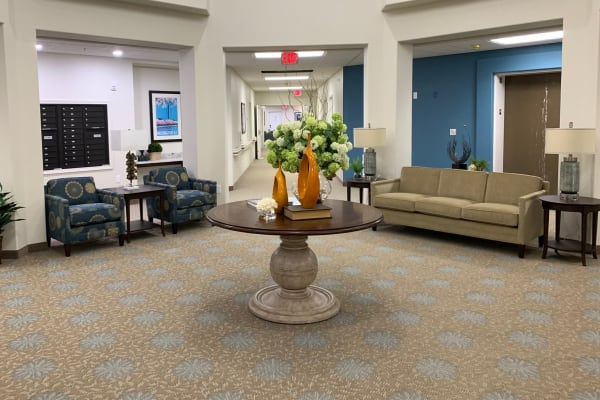 A cozy seating area at Wilshire Estates Gracious Retirement Living in Silver Spring, Maryland
