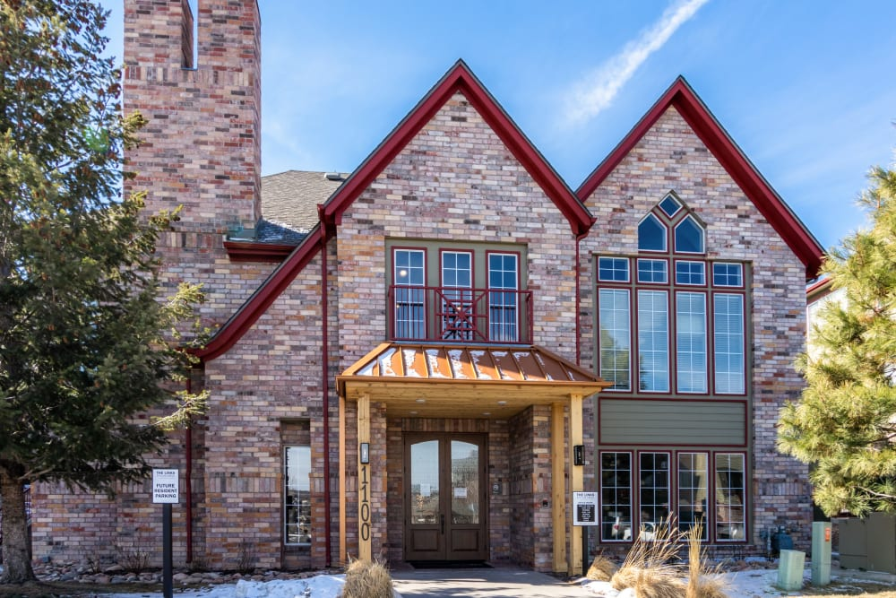 Beautiful garden-style apartments in The Links at Plum Creek in Castle Rock, Colorado