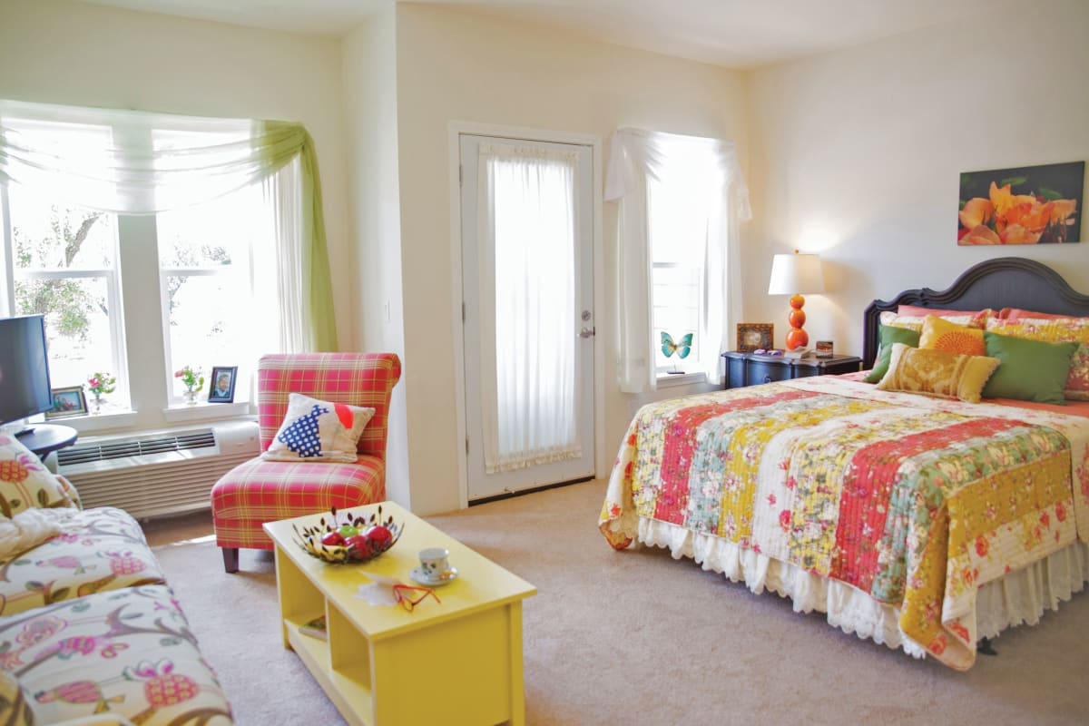 Spacious bedrooms at The Savoy Gracious Retirement Living in Winter Springs, Florida