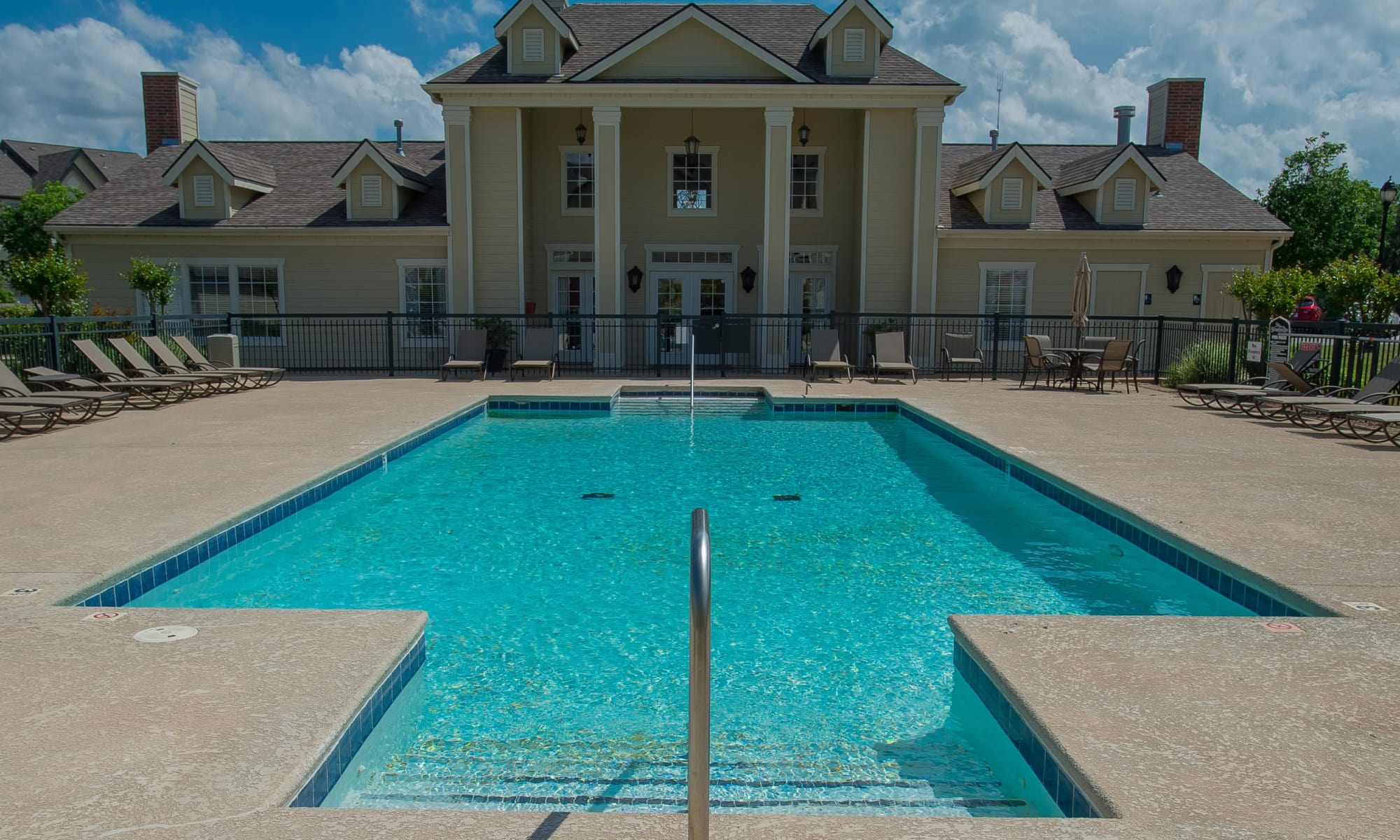 Apartments at Villas at Stonebridge in Edmond, Oklahoma