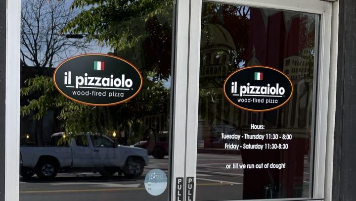Il Pizzaiolo Doors
