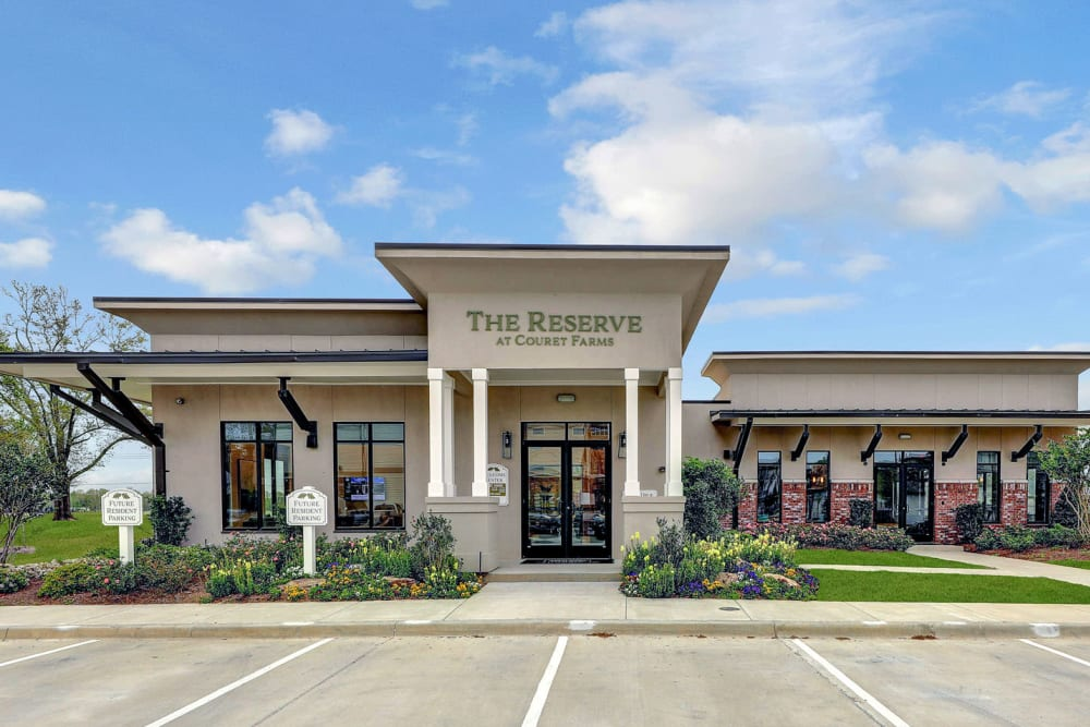 The Reserve at Couret Farms offers a short and long term leases in Lafayette, Louisiana
