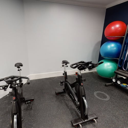 View virtual tour of the spin room at Cavalier @ 100 in Lithonia, Georgia