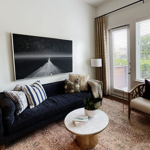 View virtual tour for A2 floor plan at 4600 Ross in Dallas, Texas