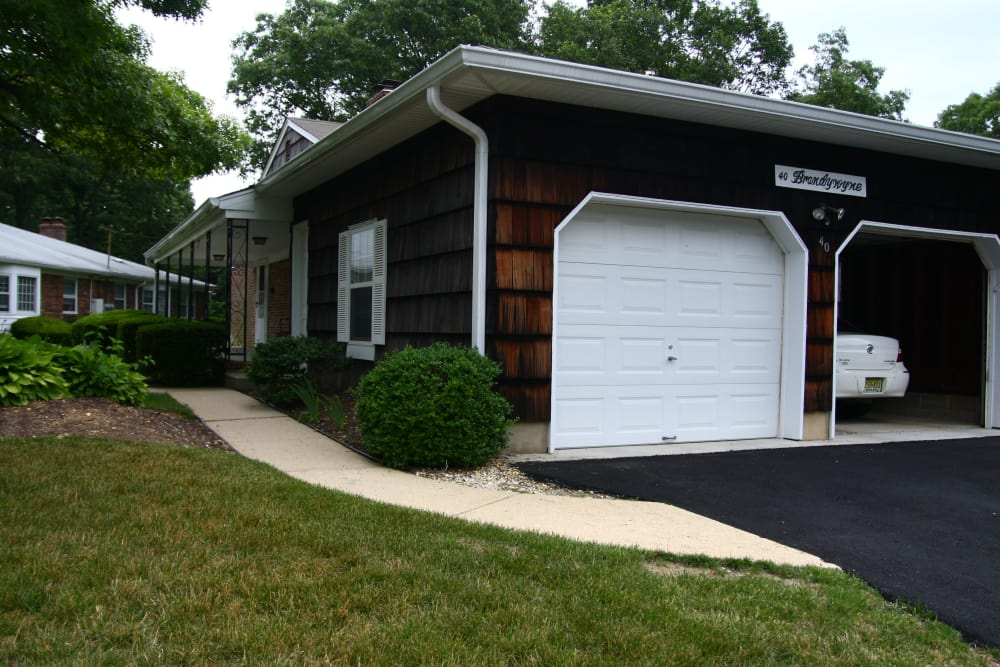 Residents at Brandywyne at Brielle love easy garage access