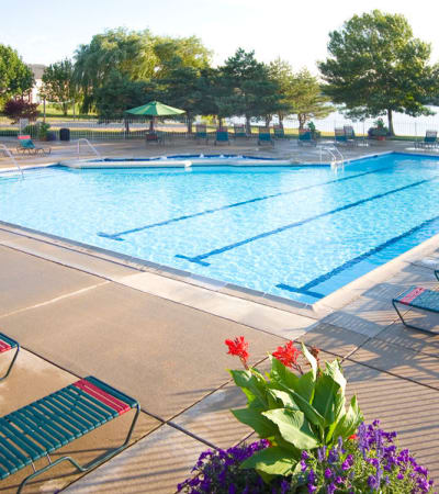 View the Amenities at Lakeside Terraces in Sterling Heights, Michigan