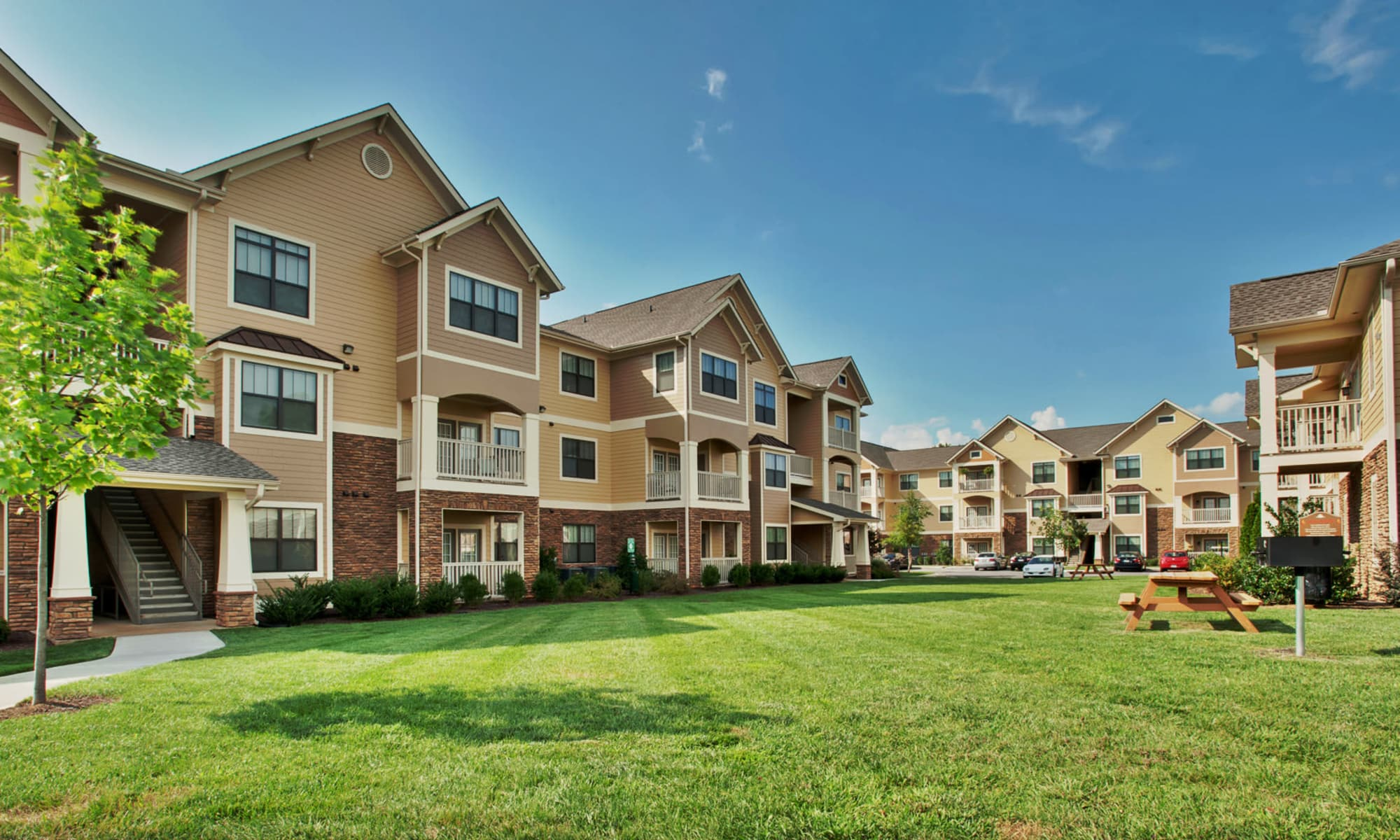 Apartments at Richland Falls in Murfreesboro, Tennessee