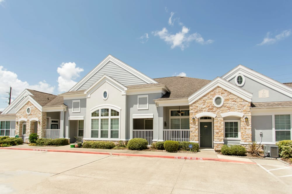 Exterior of Grand Parkway in Katy, TX