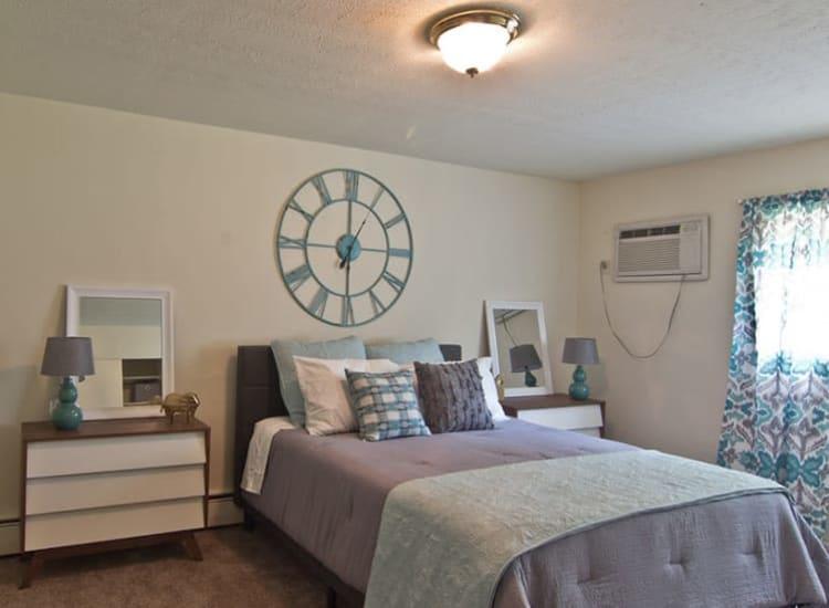 Bedroom at Lakeshore Drive in Cincinnati, Ohio