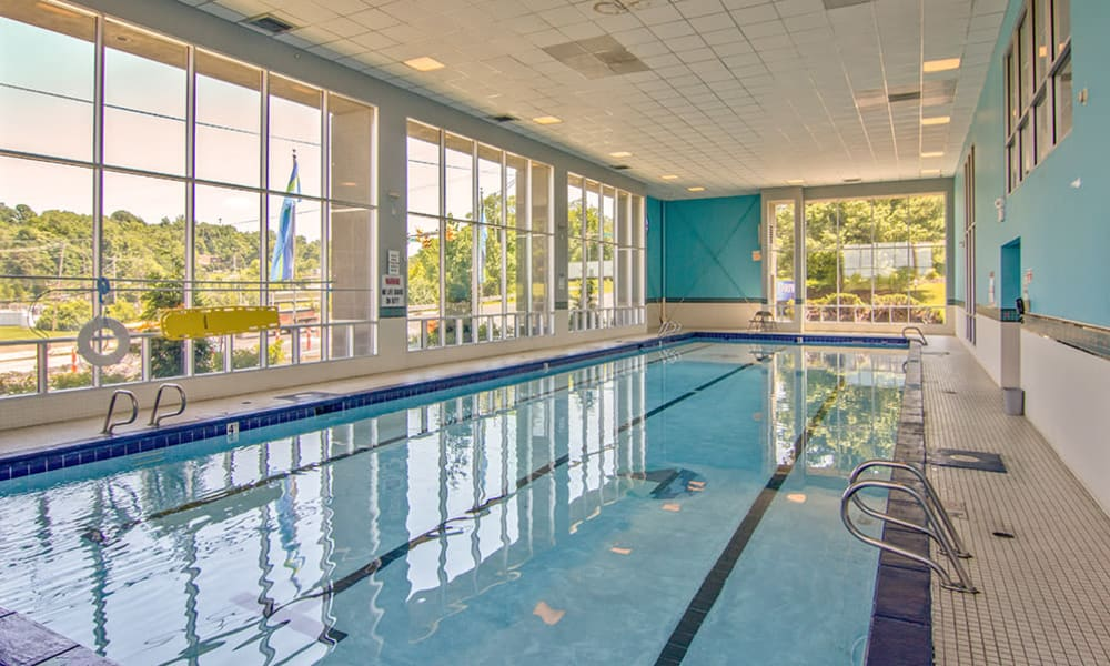 Indoor pool at Lakeshore Drive in Cincinnati, Ohio
