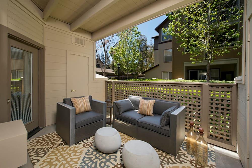 Patio with modern decor at Rosewalk in San Jose, California