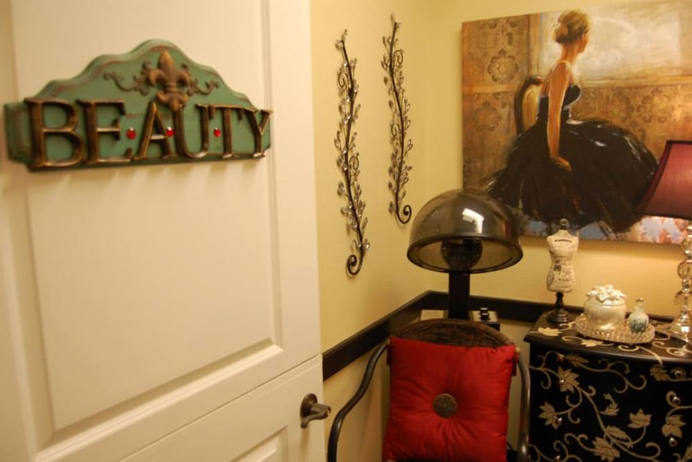 The onsite hair salon at Autumn Grove Cottage at Stone Oak in San Antonio, Texas