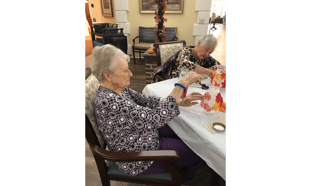 Residents enjoying some arts and crafts at The Legacy at Hawthorne Park in Greenville, South Carolina