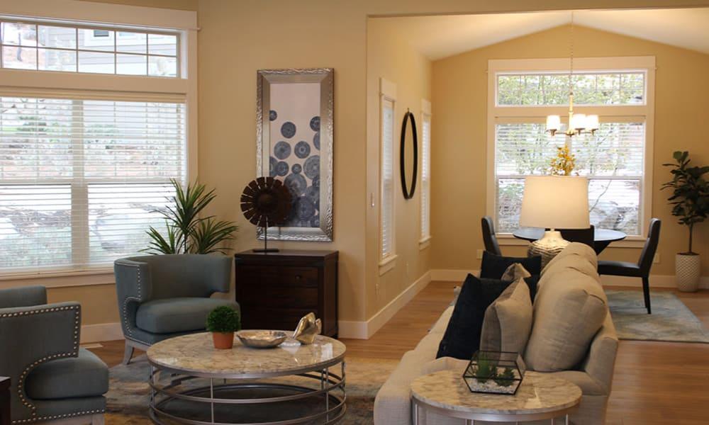 A cottage living room at Touchmark at Mount Bachelor Village in Bend, Oregon