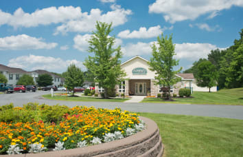 Forrest Pointe Apartments and Townhomes is a nearby community of Horizon Ridge Apartments