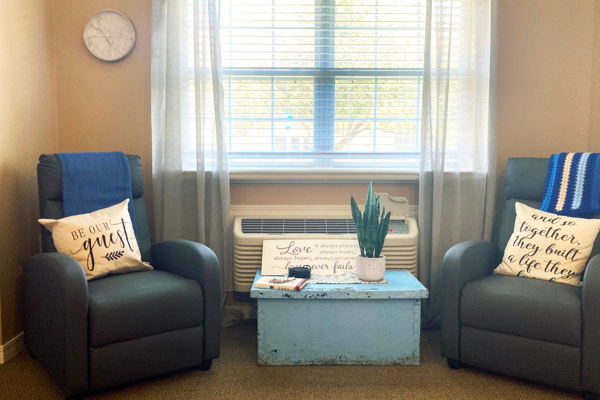 Sitting area in apartment at Homestead House in Beatrice, Nebraska