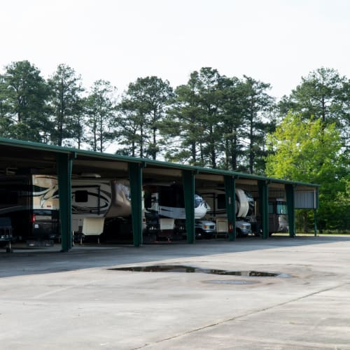 Covered RV parking at Red Dot Storage in Covington, Louisiana