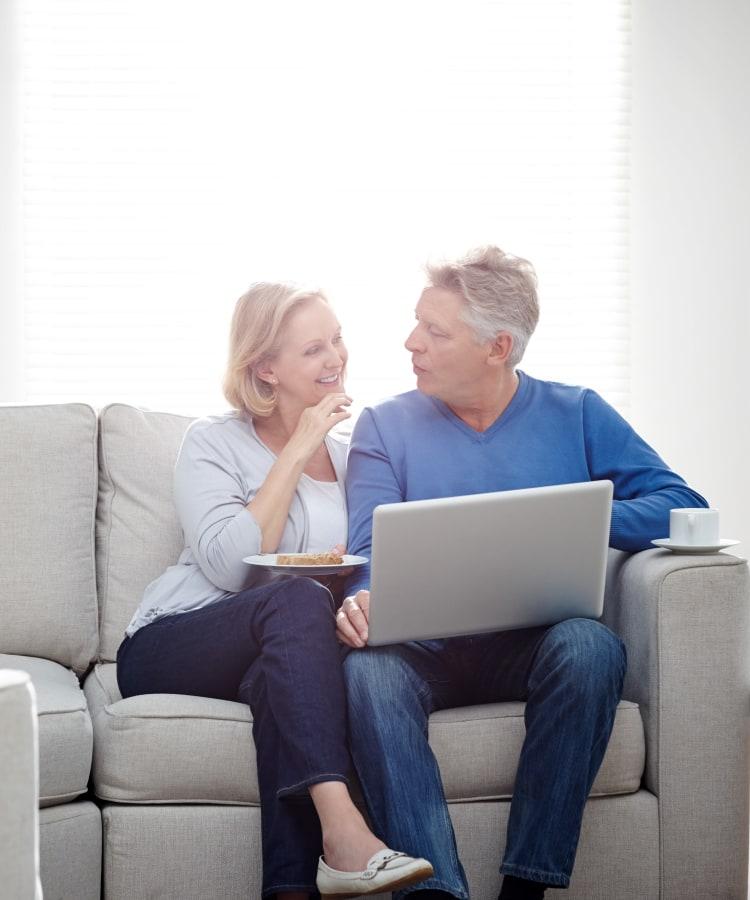 Older couple enjoying apartments at Pompton Gardens