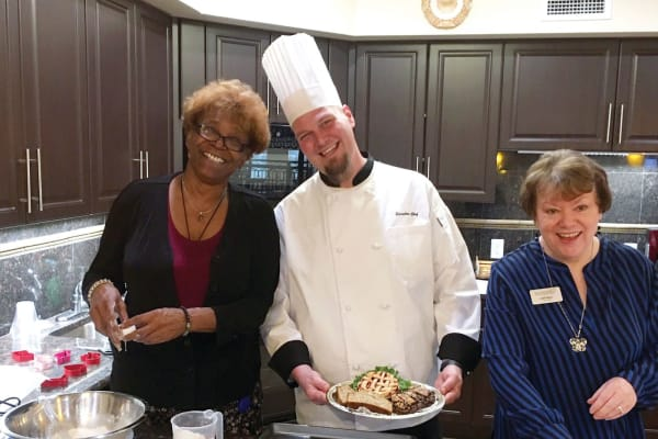 Residents cooking with Chef at Mulligan Park