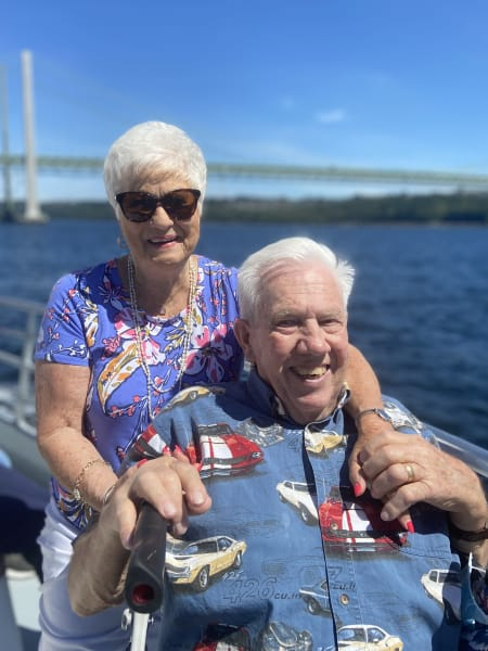 An adorable Tacoma couple enjoy a cruise out on the Puget Sound!
