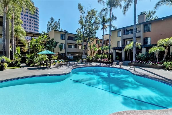 Apartments in Woodland Hills