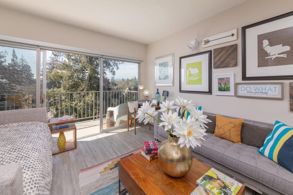 Mia offers a luxury living room in Palo Alto, California