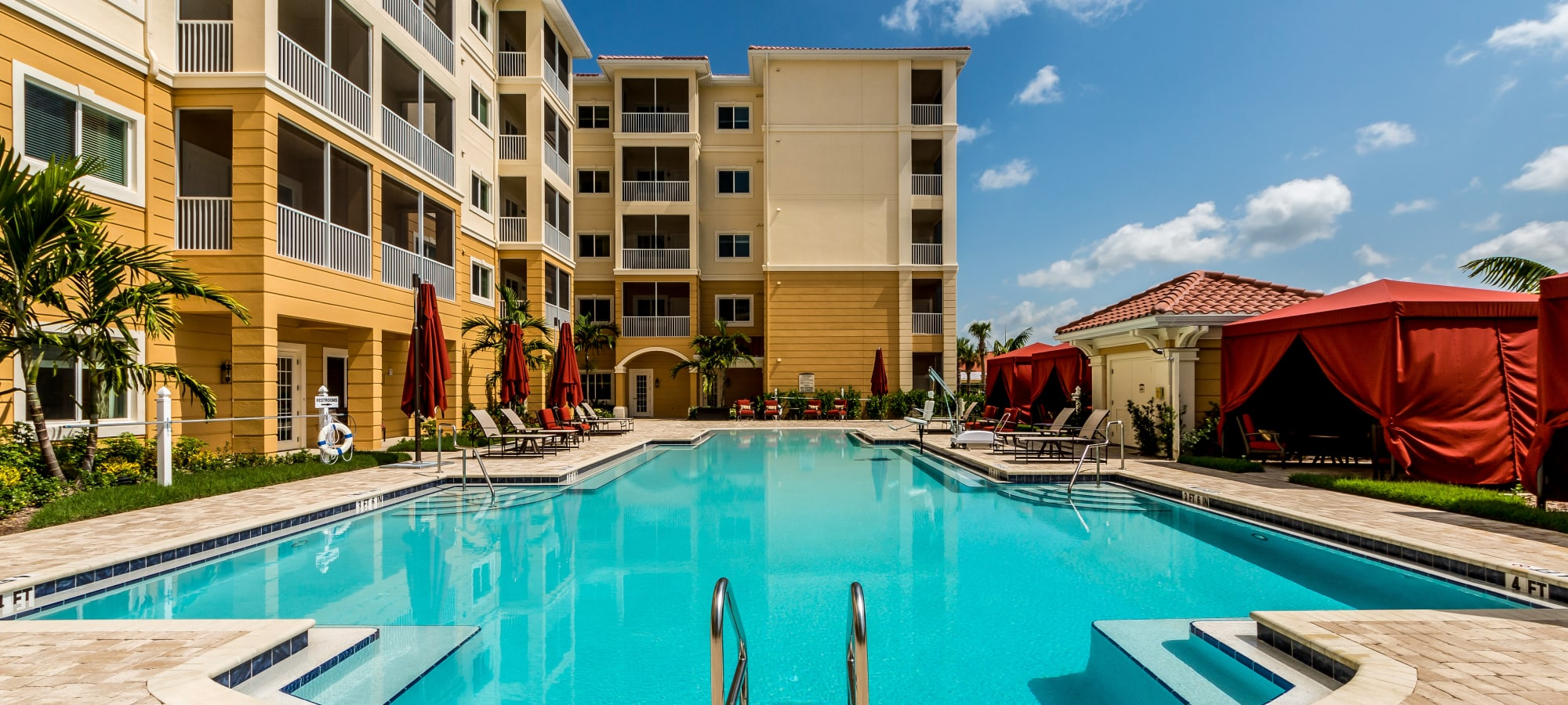 fort myers resort style independent and assisted senior living community