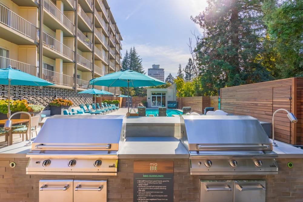 Luxury bbq area at Mia in Palo Alto, California