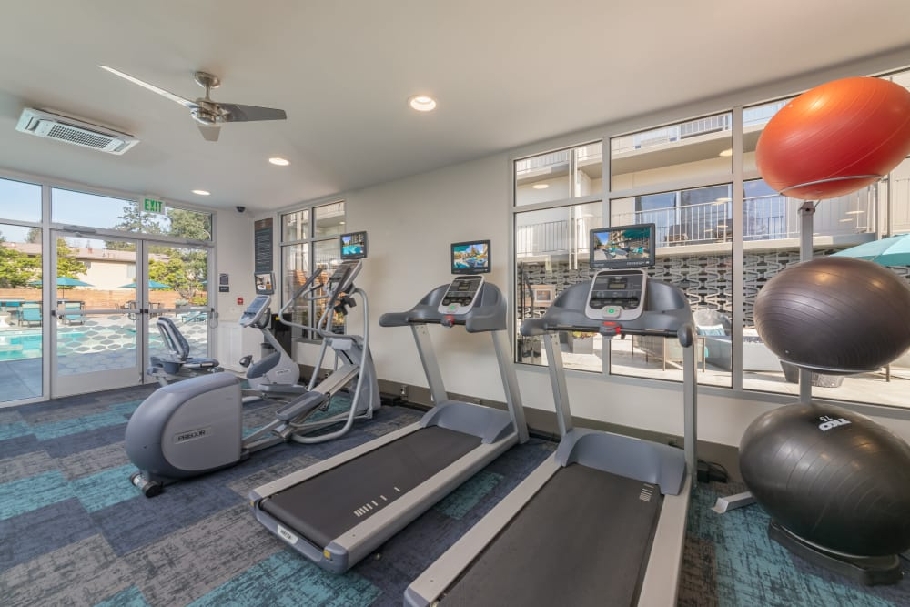 Luxury fitness center at apartments in Palo Alto, California