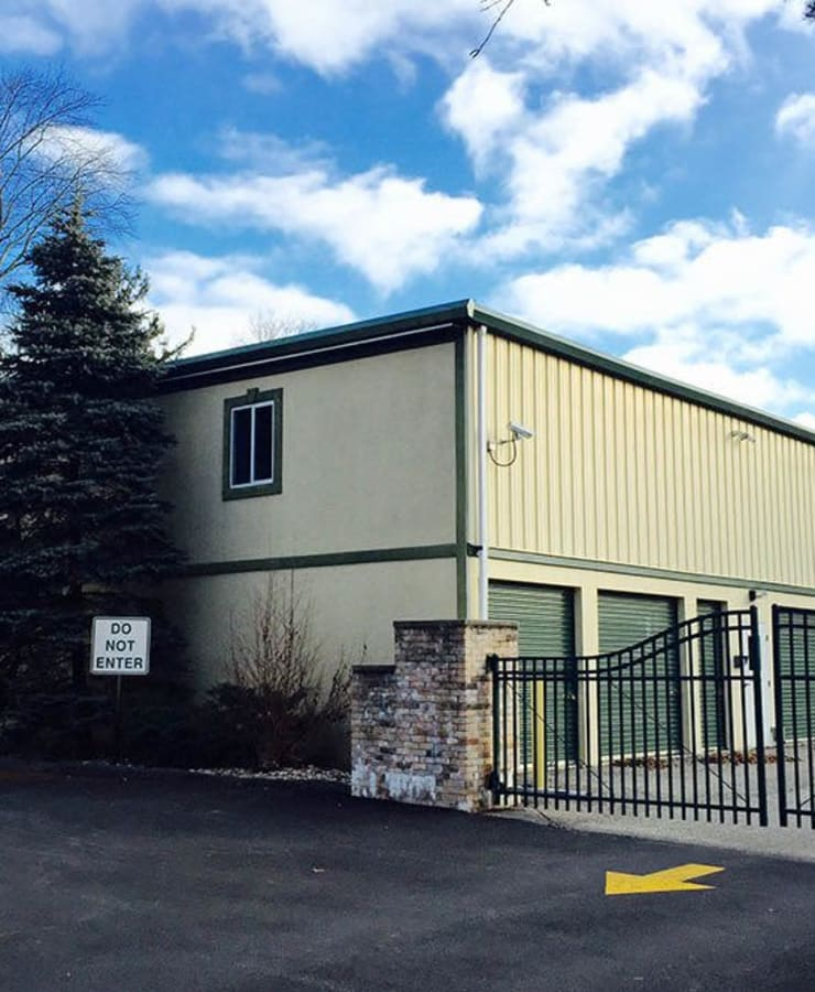 Facade and surrounding landscaping at StorQuest Express - Self Service Storage in Briarcliff Manor, New York