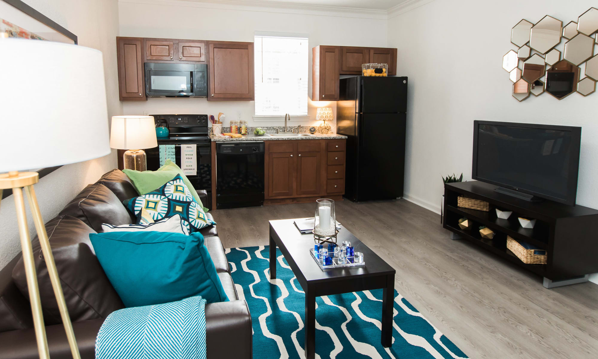 Off campus student housing by university of mississippi in - 3 bedroom apartments in oxford ms ...