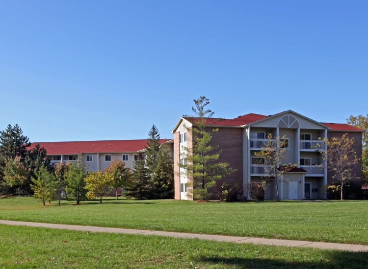 Spacious green outside of Parkside of Livonia in Livonia, Michigan