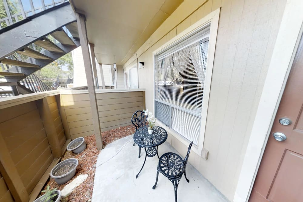 Outdoor Patio area at Falls of Maplewood Apartments in Houston, Texas