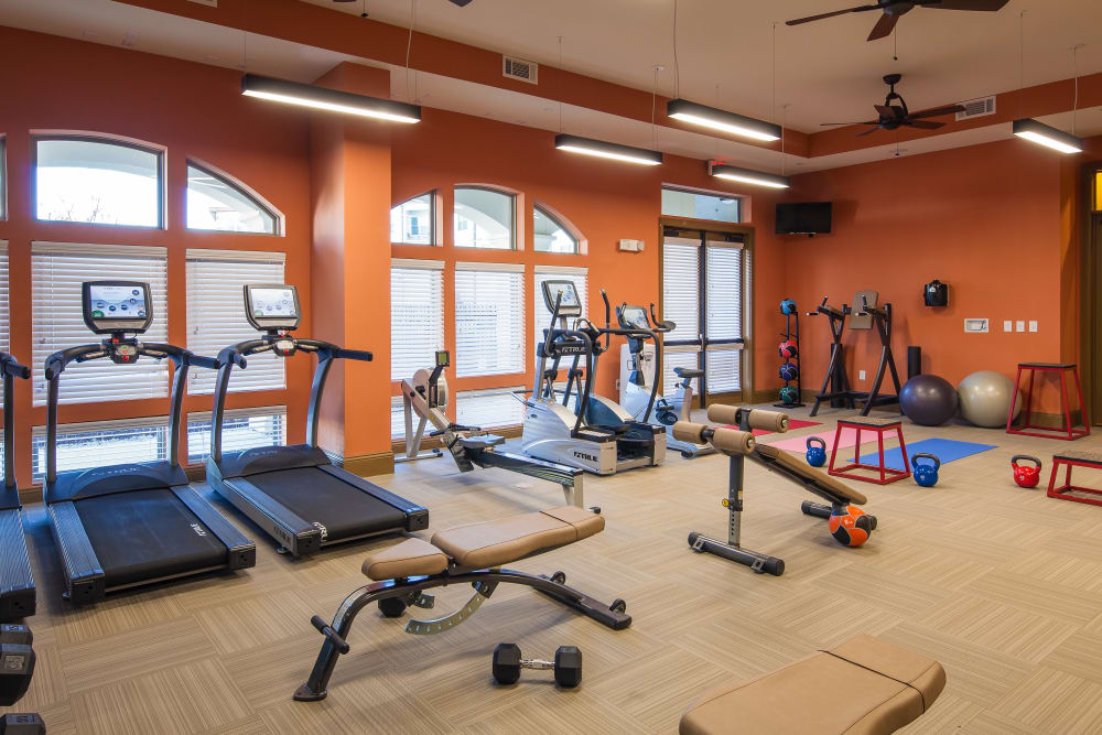 The High Grove has a fitness center in Baton Rouge, Louisiana